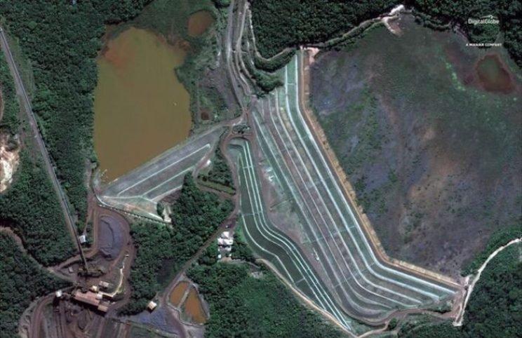 A represa na mina do Córrego do Feijão, perto de Brumadinho, Brasil, é retratada antes do colapso do dia 25 de janeiro de 2019, foto de satélite obtida pela Reuters em 27 de janeiro de 2019.